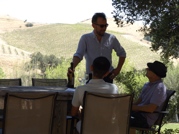 Best Wine Tasting Travel Tips - Strike Up Conversation With Your Wine Host