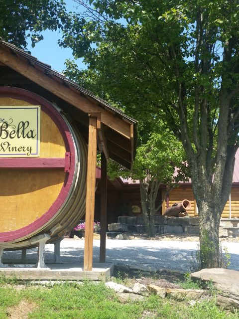 Kansas City Wine Trail - La Bella Vineyards & Winery